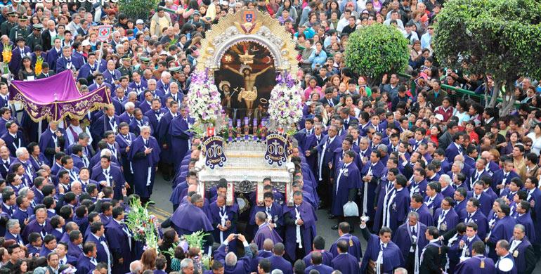 festividad-del-senor-de-los-milagros-en-lima