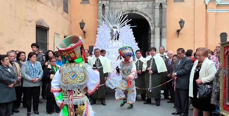 fiesta-de-san-miguel-arcangel-en-ayacucho