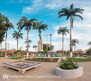 Plaza de armas de Puerto Maldonado