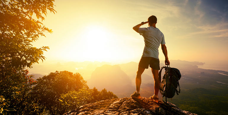 Estas pensando viajar por fin de año? Consejos para ahorrar dinero