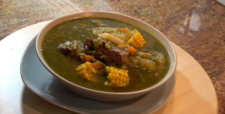 Sopa Menestrón peruano